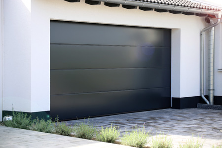 Modern new garage door (sectional door) Banco de Imagens