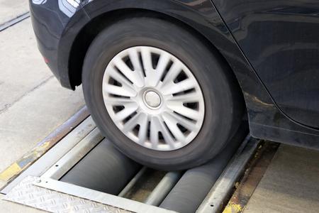 Car brake test Banco de Imagens - 92515843