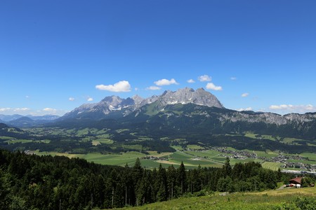 Panoramic view of the Kaiser Mountains, Tyrol, Austria 스톡 콘텐츠