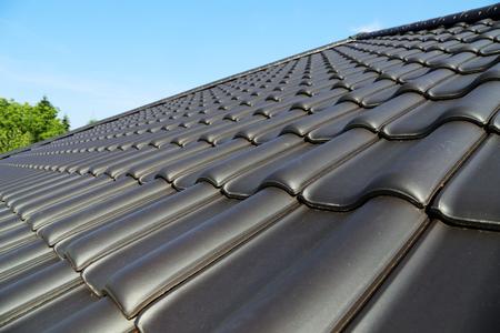 Nowy dach pokryty dachówką