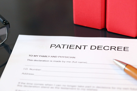 Blank form of a patient decree on a desk 版權商用圖片