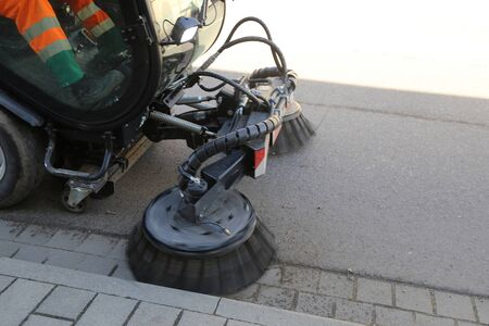 Street sweeper cleaning Standard-Bild