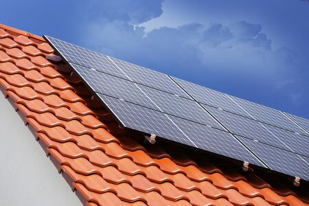 Roof with solar panels (photovoltaics) Zdjęcie Seryjne