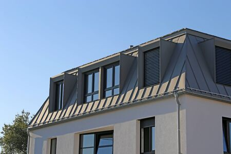Metal standing seam roof
