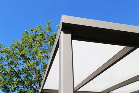 Hochwertige moderne Terrassenüberdachung