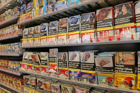 Cigarettes and tobacco products in a shop (Ludwigshafen, Germany, 07/07/2020) 新闻类图片