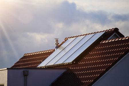 Single family house with solar system or photovoltaic system Zdjęcie Seryjne
