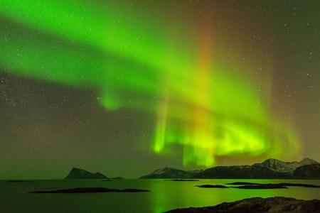 Las Aurora Borealis de la aurora boreal fotografiadas en Sommaroy, Noruega Foto de archivo
