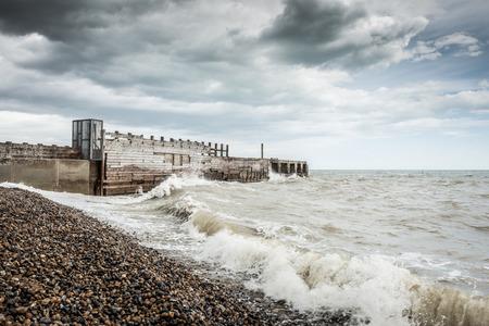 Ein stürmischer Tag am Strand in Rye, Kent, England Standard-Bild - 29688564