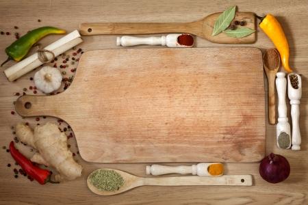 �board: verduras y especias fronterizos y tabla de corte vac�a