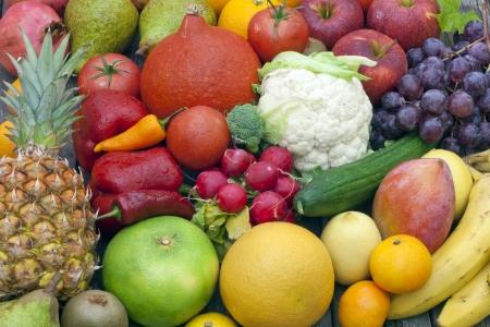 mixed fruits: Fruits and vegetables mixed assortment