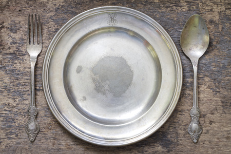 breakfast plate: Old vintage cutlery and dishware abstract food background