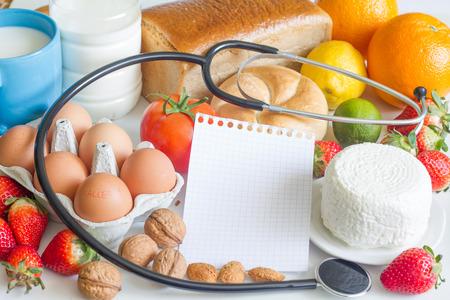 알레르기 음식 및 청진 추상적 인 개념