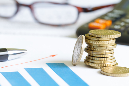Augmenter l'argent des entreprises avec le graphique et l'euro