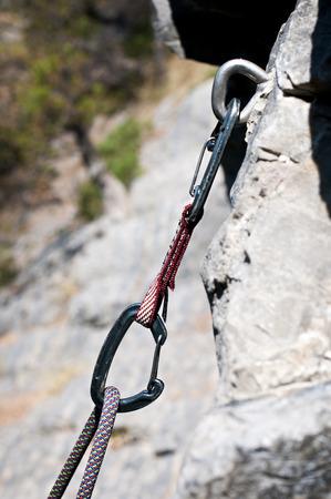 carabiner: Carabiner and climbing rope