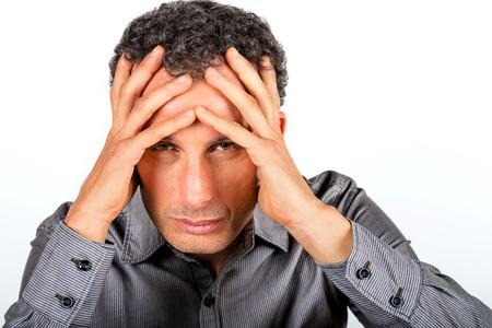 desesperado: Hombre desesperado aislado en el fondo blanco