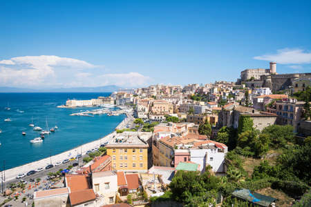 Panoramic landscape of the city of Gaeta and the coastline from the basilica of San Francesco D'Assisi. Italy Standard-Bild