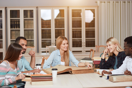 Classmate Classroom Sharing International Friend Concept Imagens