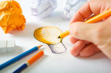 idea light bulb: Designer Drawing
