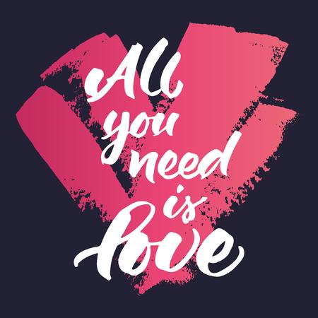 corazones azules: Cita inspirada 'Todo lo que necesitas es amor'. Pintado a mano las letras pincel sobre fondo azul oscuro pintado de rosa del corazón del grunge.