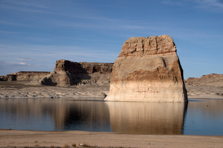 lake powell: Lone Rock, directly at the beach of the lake Powell, Utah, USA.