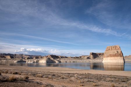 lake powell: Lone Rock, directly at the beach of the lake Powell, Utah, USA.