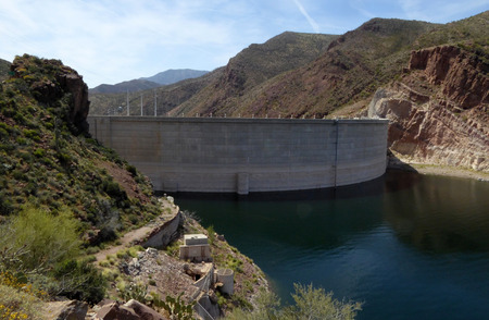 theodore roosevelt: The Theodore Roosevelt Dam is a dam on the Salt River and Tonto Creek located north east of Phoenix Arizona USA. Stock Photo