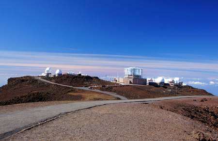 comprise: The Mauna Kea Observatories are used for scientific research across the electromagnetic spectrum from visible light to radio, and comprise the largest such facility in the world