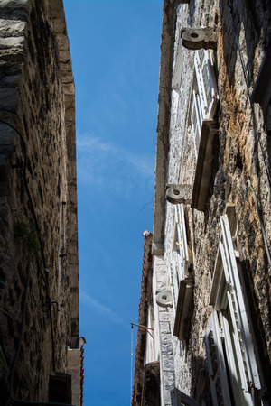 Trogir is a historic town and harbour on the Adriatic coast in Split-Dalmatia County, Croatia, 版權商用圖片