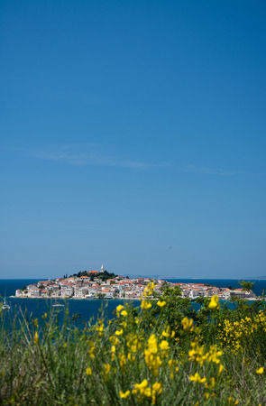 Primosten ist eine Stadt in Kroatien und liegt in Mitteldalmatien zwischen Split und Sibenik an der Adriaküste.