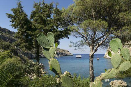 Anthony-Quinn-Bucht ist heute der gebräuchliche Name für die Vagies-Bucht an der Ostküste der griechischen Insel Rhodos. Stock fotó