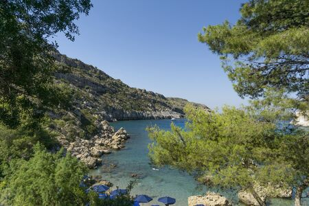 Anthony-Quinn-Bucht ist heute der gebräuchliche Name für die Vagies-Bucht an der Ostküste der griechischen Insel Rhodos.
