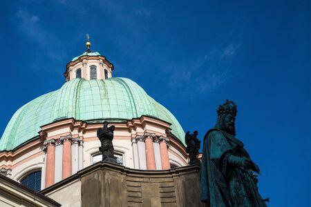 Die Kreuzherrenkirche ist ein Kirchengebäude in der tschechischen Hauptstadt Prag und gehört zur Prager Altstadt.