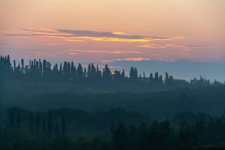 Tuscany  is a region in central Italy and is known for its landscapes, history, artistic legacy, and its influence on high culture. Banco de Imagens