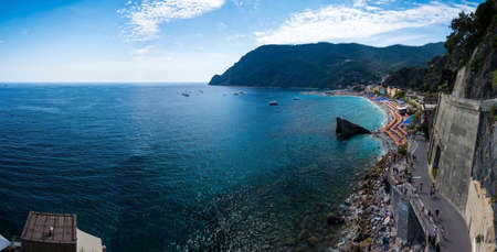 Monterosso al Mare is a town and comune in the province of La Spezia, part of the region of Liguria at the ligurian coast Riviera di Levante. It is one of the five villages in Cinque Terre. Zdjęcie Seryjne