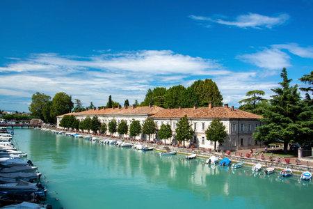 Peschiera del Garda is a town and comune in the province of Verona, in Veneto, Italy. Zdjęcie Seryjne