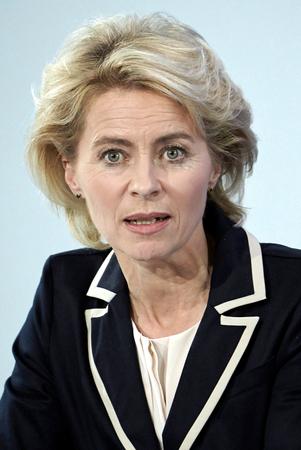 Ursula von der Leyen - 08.10.1958: German politician of the CDU and Federal Minister of Defense since December 2013. Sajtókép