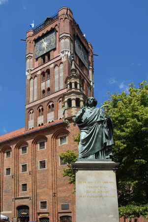 Memorial for the astronomer Nicolaus Copernicus on the market place Rynek Staromiejski bevor the City Hall von Torun - Poland.