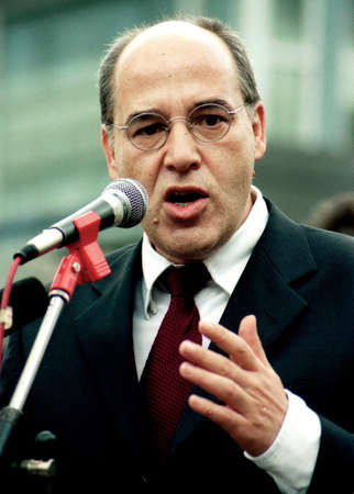 Gregor Gysi - * January 16, 1948; German politician of the Left Party, 1989 to 2003 Chairman of the Democratic Socialism Party PDS; Member of the German parliament Bundestag and chairman of the Left Party parliamentary group from 2005 to 2015, President o Editorial