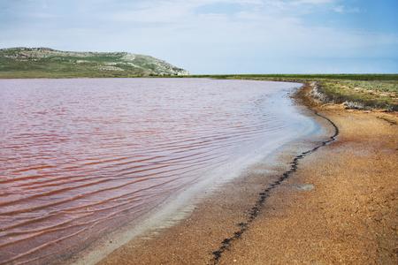 크림에서 Opuk 예약에서 Koyashskoe 빨간 호수