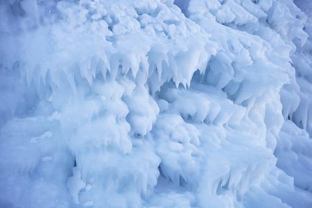 Large Icicles. Lake Baikal. Winter frozen nature Banque d'images