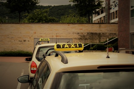 An image of a taxi sign