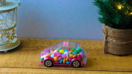 candy in toy car - money box Imagens