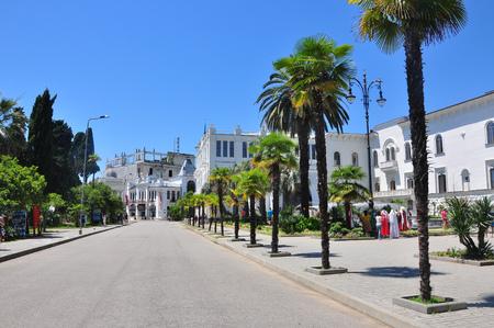 La place centrale de Soukhoumi Journée ensoleillée Juillet 2016