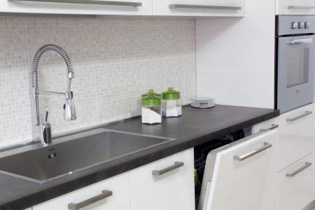white kitchen Stock Photo - 15197927