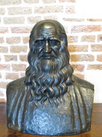 a Leonardo Da Vinci statue Stock Photo