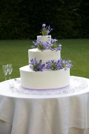 Three tier beautiful marriage cake