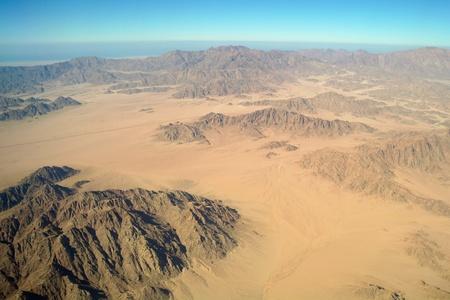 aerial: Vista aerea del deserto e monti, Sinai Archivio Fotografico