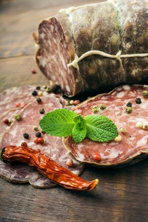 longaniza: Smoked sausage with mint and peppercorns