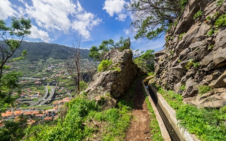 Walking alona a Levada in Madeira, Portugal